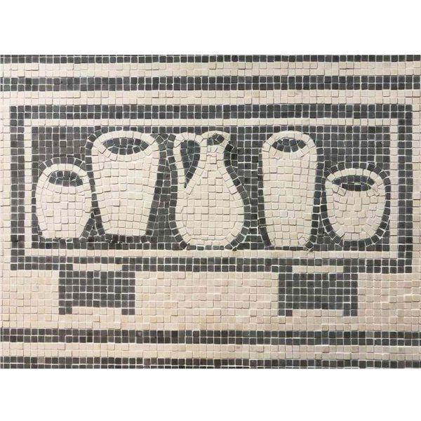 mosaico arcón con vasijas hecho a mano