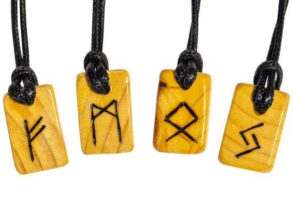 Colgante runa nórdica madera