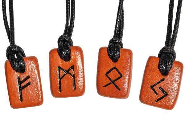 Colgante runa nórdica rojo