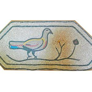 Mosaico tórtola romana. Tamaño 62×24 cm. 2700 teselas de 5mm.