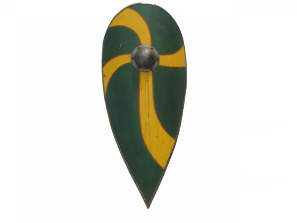 escudo cometa medieval verde y amarillo